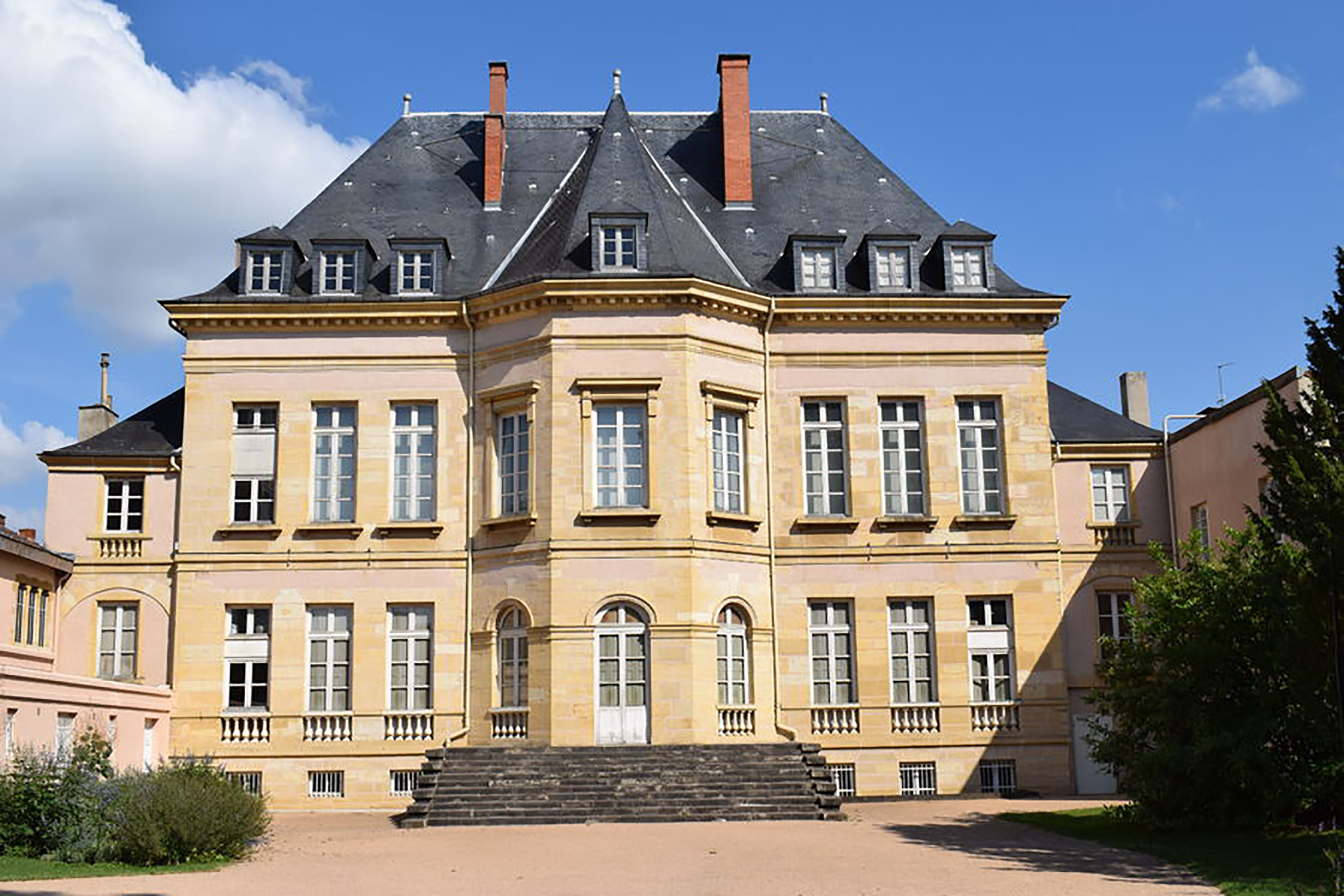 Image of the museum of Roanne